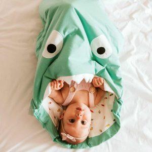 Baby Bites Śpiworek dziecięcy do spania Shark Mint Green ( 1-18 miesięcy)