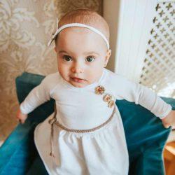 Biała bawełniana dresowa sukienka dla dziewczynki na każdą okazję