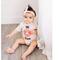 Urban Baby Co. Body dziecięce z bawełny organicznej Oh Donut Even 6-12 m