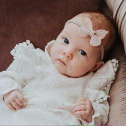 Anabell subtelna sukienka z delikantym haftem dla dziewczynki chrzest roczek