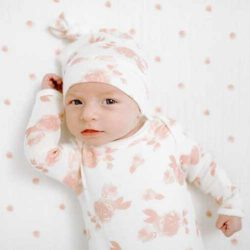 Aden+Anais Śpioszki niemowlęce Miękki śpiworek Snuggle Knit – Rosettes