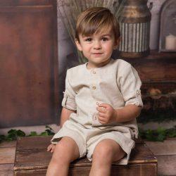 Stylowa lniana beżowa koszula dla chłopca