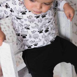Czarne dresowe bawełniane spodenki niemowlęce
