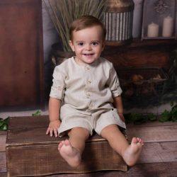 Beżowy lniany komplet chłopięcy bermudy koszula