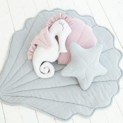 Cozydots Mata edukacyjna dla dziecka muszelka i poduszka – muślinowy dywanik Seashell Grey