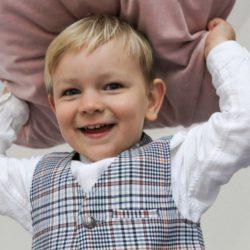 Elegancki komplet dla chłopca do chrztu świętego krata standard