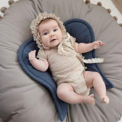 Cozydots Poduszka niemowlęca skrzydełka Poduszka do karmienia Angel Wings Szary