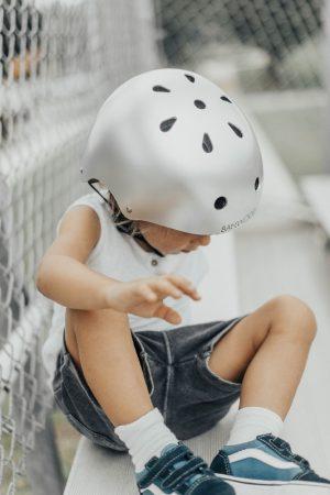 Banwood dziecięcy kask rowerowy chrome