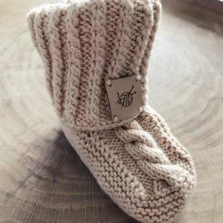 Beżowe wełniane buciki skarpetki antypoślizgowe 100%handmade