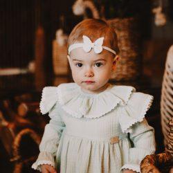 Minty elegancka miętowa sukienka muślinowa dla dziewczynki