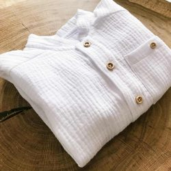 biała elegancka koszula muślinowa dla chłopca chrzest święty roczek
