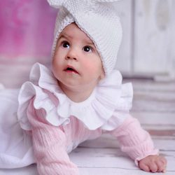 Biała opaska dla dziewczynki na chrzest roczek handmade