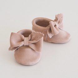Nude kremowe buty niechodki dla dziewczynki mokasyny z kokardką