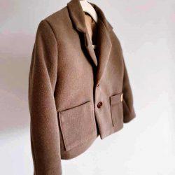 Brązowy płaszcz dla chłopca marynarka